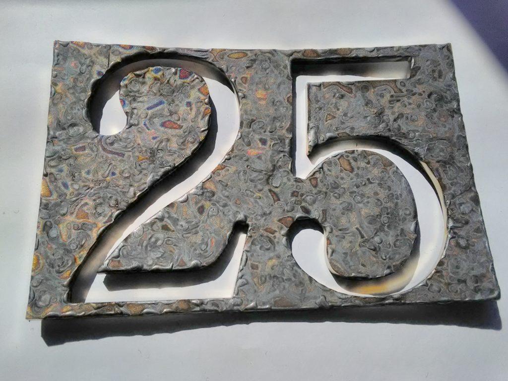 kovarska_nerez_nerezova_povrchova_uprava_domovnich_cisel_3D_loga