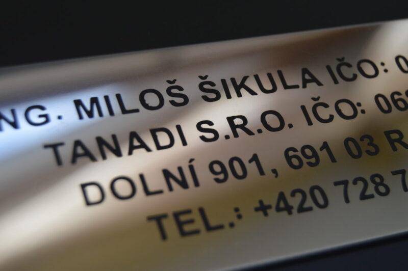nerezove_tabulka_cedulka_oznaceni_sidla_firmy_provozovny_1